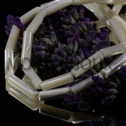 10 perles tubes en nacre naturelles reflet irisées 14x4mm