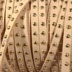 1mètre de cordon suédine chamois clair  clouté doré largeur 5mm
