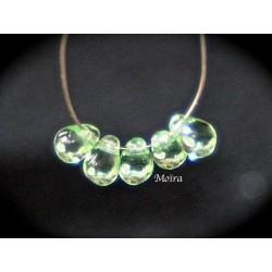 x 50 perles verre de bohème goutte  couleur péridot 6x4mm