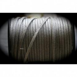 1mètre de cordon suédine plat gris clair 3x1,5mm