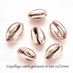 4 breloques coquillage  cauris galvanisé or ros e15/20mm