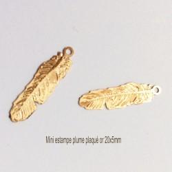 10 breloques estampes plume cuivre plaqué or 20x15mm