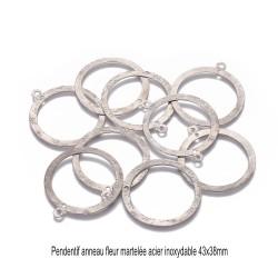 4 pendentifs anneaux rond creux martelé fleur 43x38mm