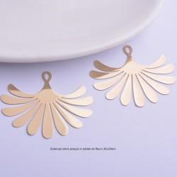 4 estampes pétale de  fleur laiton plaqué or 35x29mm