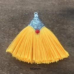 pompon coton jaune soleil forme triangle 50mm