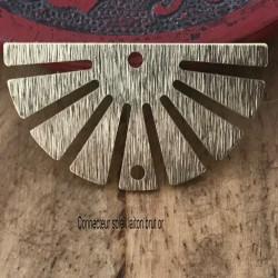 2 connecteurs pendentif laiton brut  texturé demi soleil 30x25mm